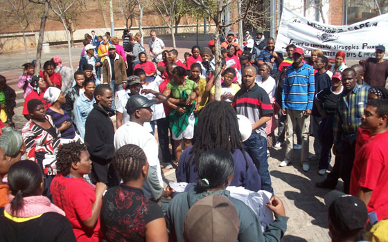 Kundgebung vor dem Gericht